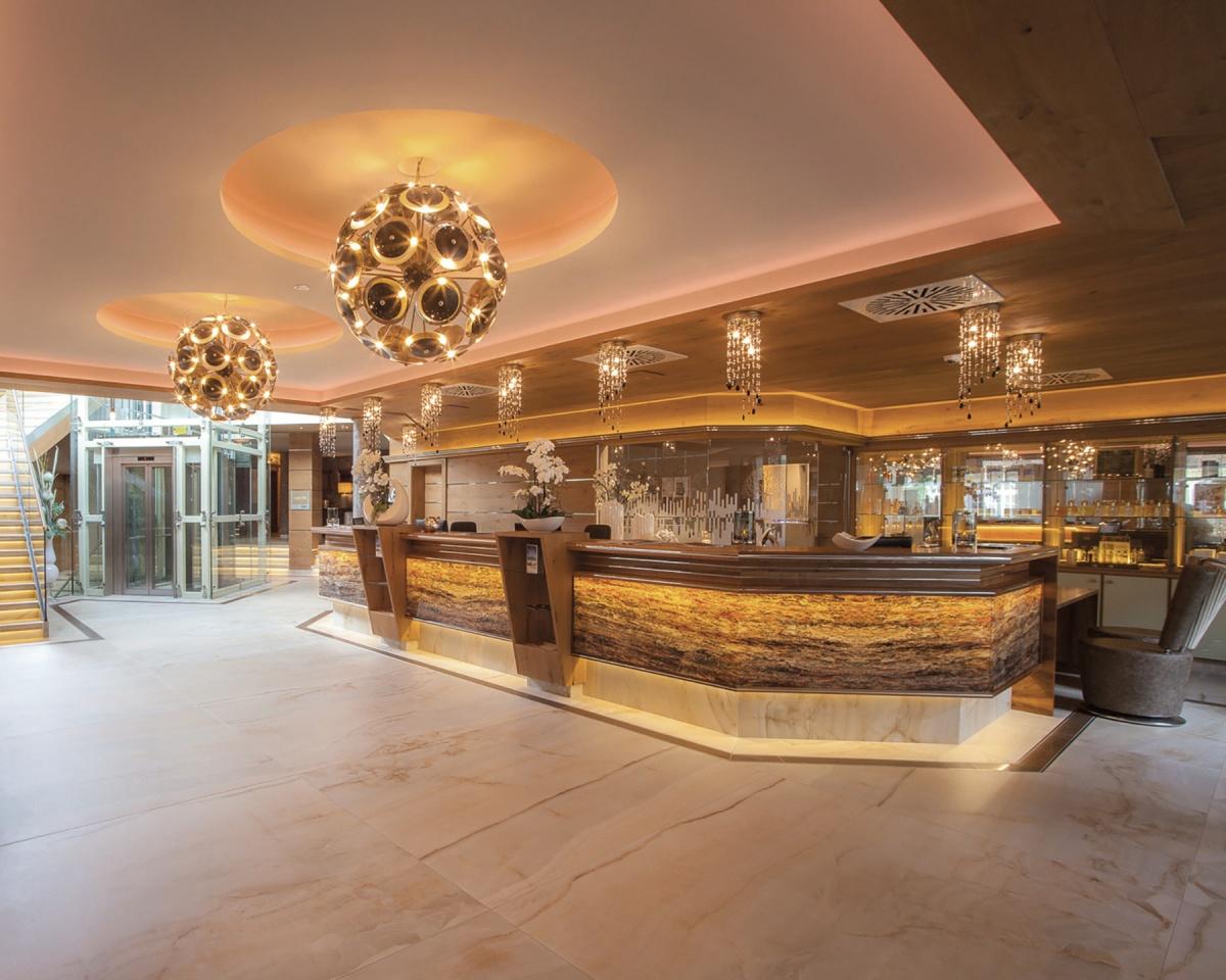 Luxury Lighting For The Hotel Lobby